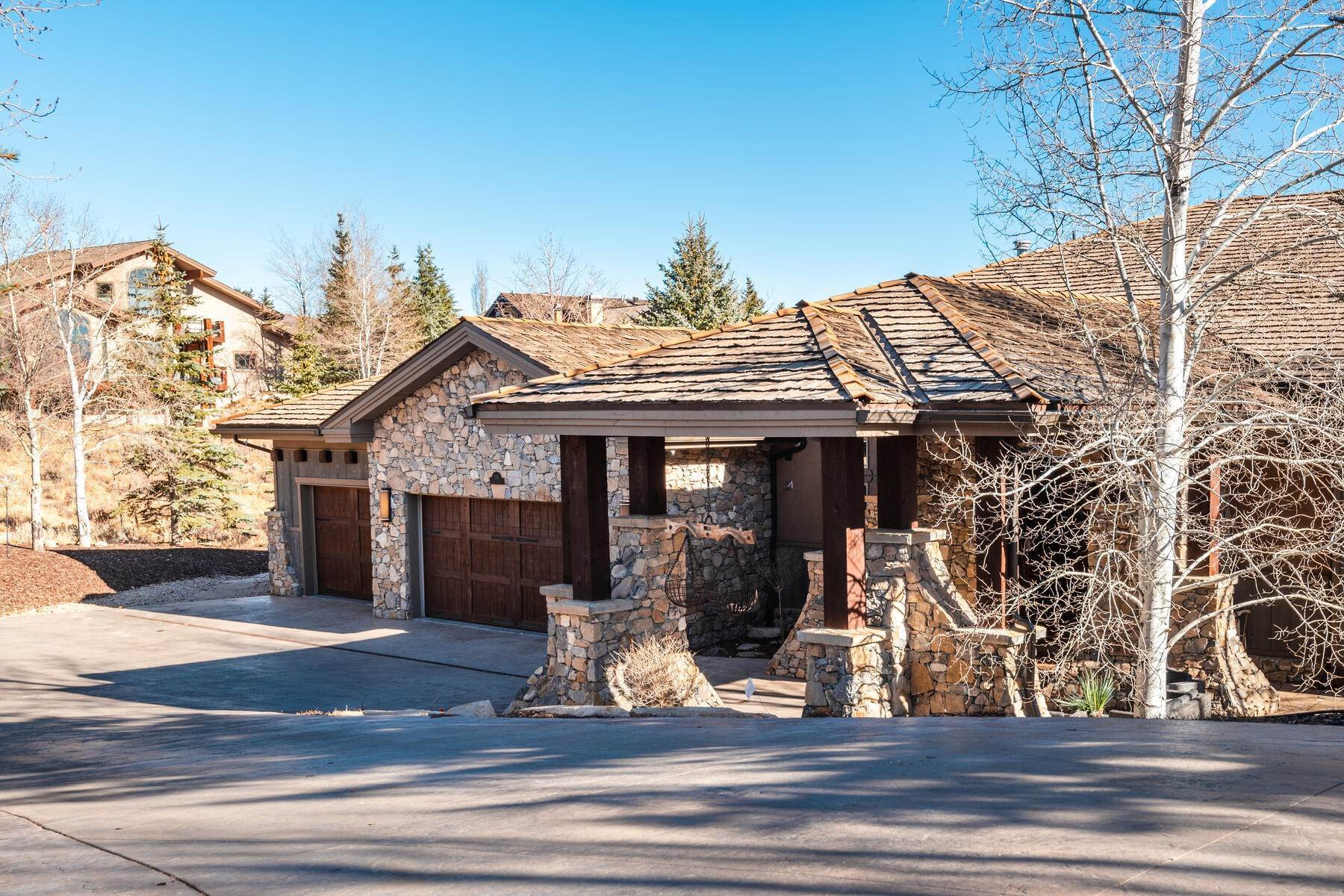 49. Single Family Homes for Sale at Updated Home in Park Meadows Has It All! 2710 Silver Cloud Dr Park City, Utah 84060 United States