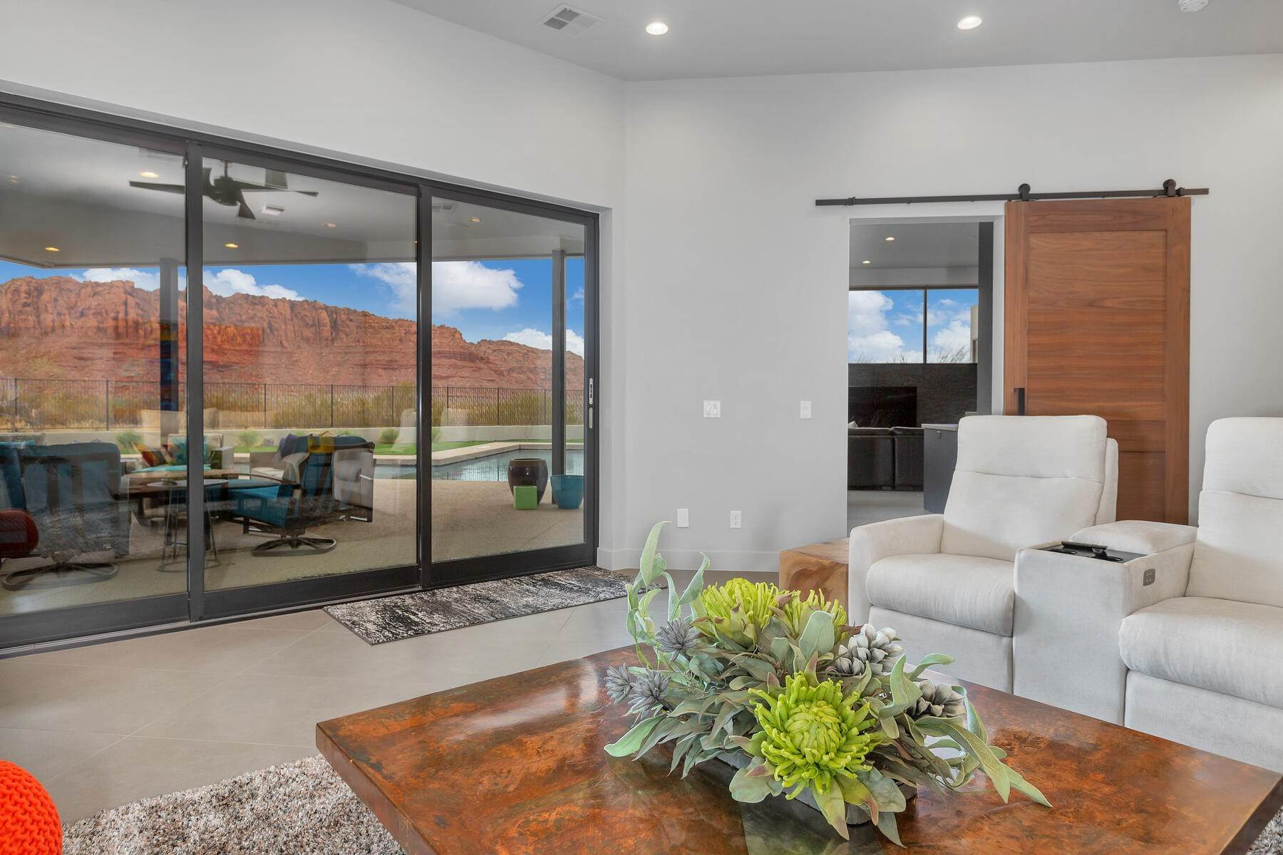 15. Single Family Homes for Sale at Modern Luxury Living In Snow Canyon 362 N Turtle Point Dr Ivins, Utah 84738 United States