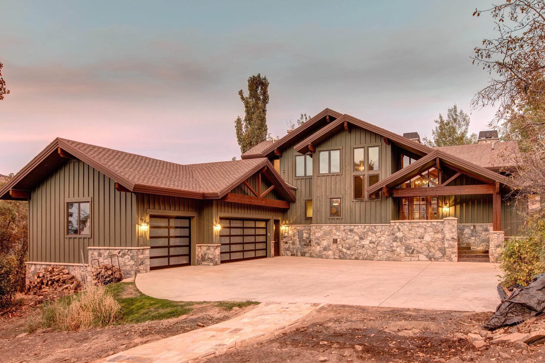 41. Single Family Homes for Sale at Your Private Oasis in the Heart of Park City 2692 Ruminant Road Park City, Utah 84060 United States