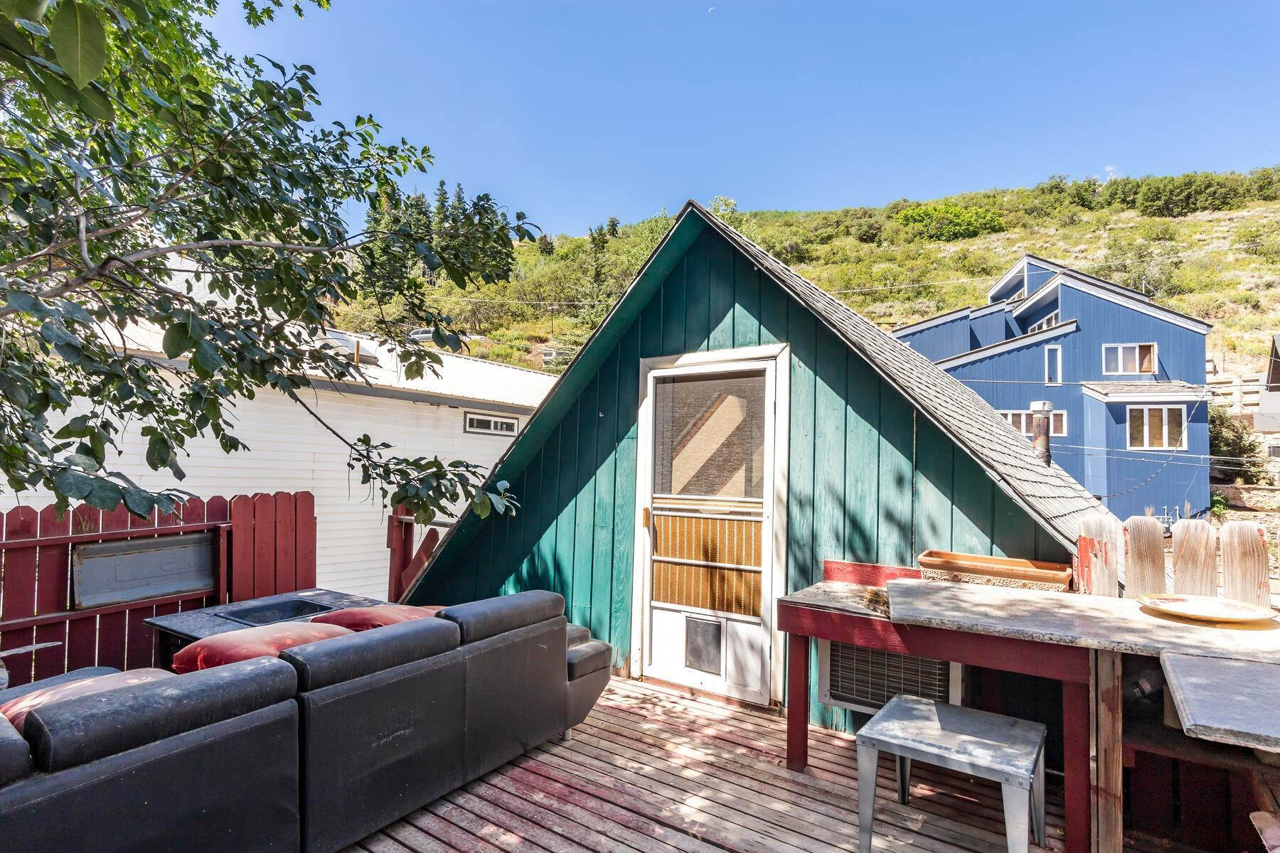 18. Single Family Homes for Sale at A Prime Redevelopment Opportunity in Old Town Park City 91 King Road Park City, Utah 84060 United States