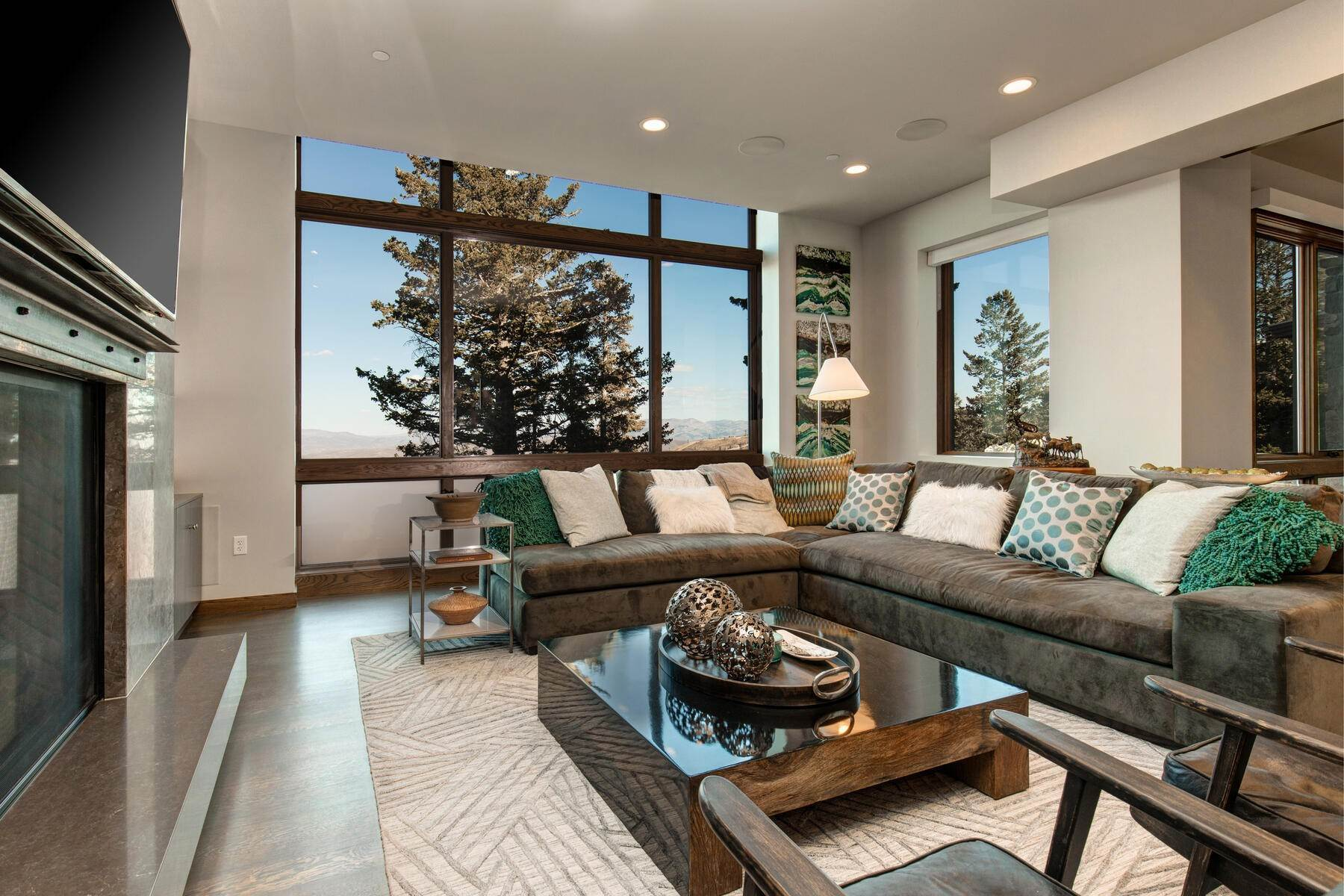 3. Condominiums for Sale at Ski-In Ski-Out Alpine Luxury Living at Stein Eriksen Residences 6702 Stein Circle #131 Park City, Utah 84060 United States