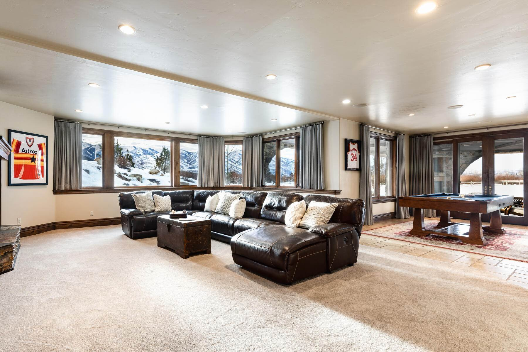 19. Single Family Homes for Sale at Rare Ranch Creek Estates Home Boasts over 3 Acres with Unparalleled Views 4400 N Ranch Creek Ln Park City, Utah 84098 United States