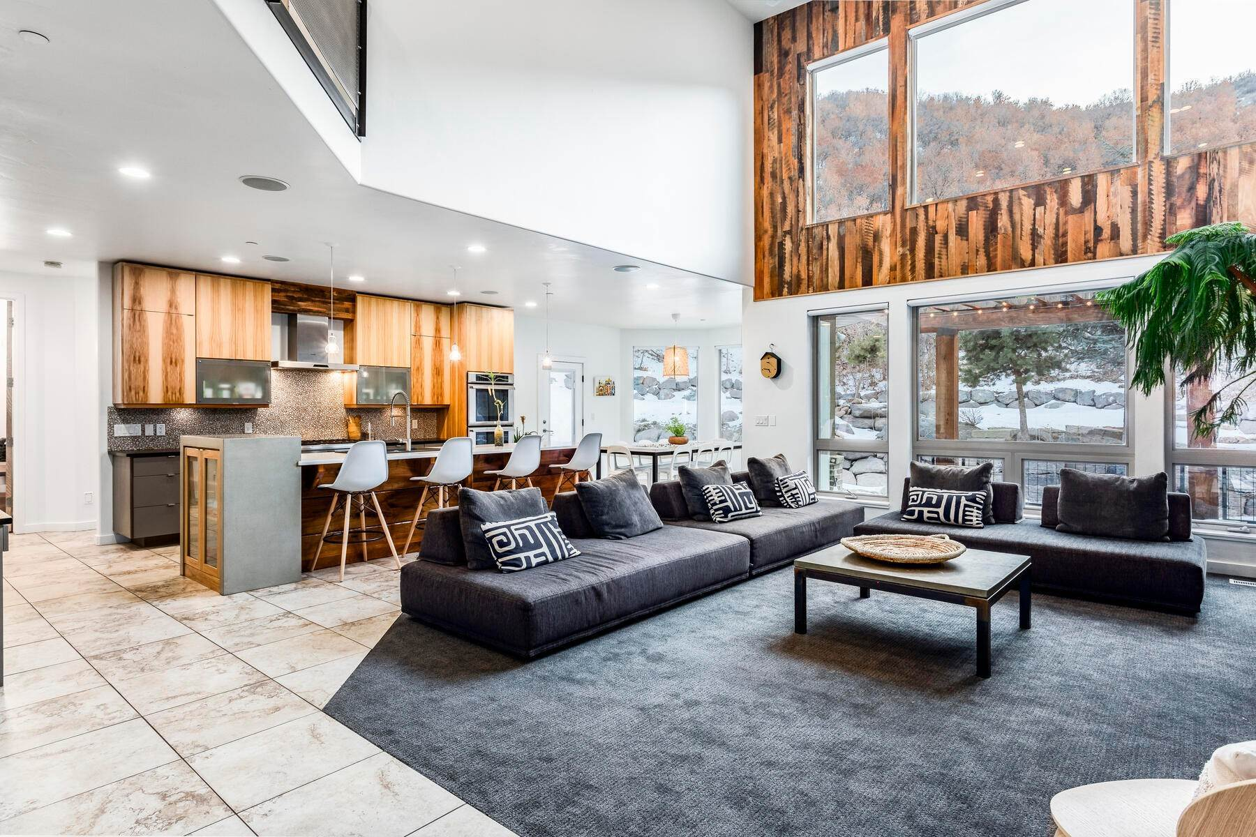 2. Single Family Homes for Sale at Luxury Living on the Mountain with Views in every Direction. 14808 S Maple Park Ct Draper, Utah 84020 United States