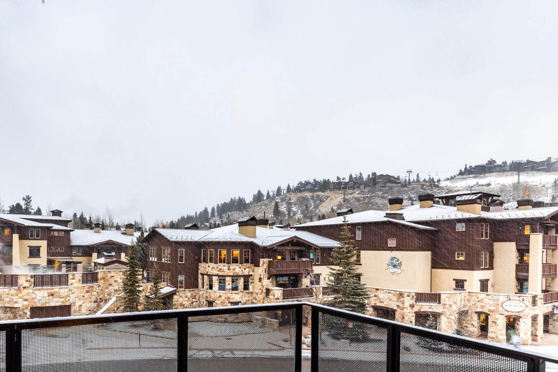 22. Condominiums for Sale at Boutique Luxury Hotel Residences in Prime Deer Valley Silver Lake Village 7520 Royal Street #321 Park City, Utah 84060 United States