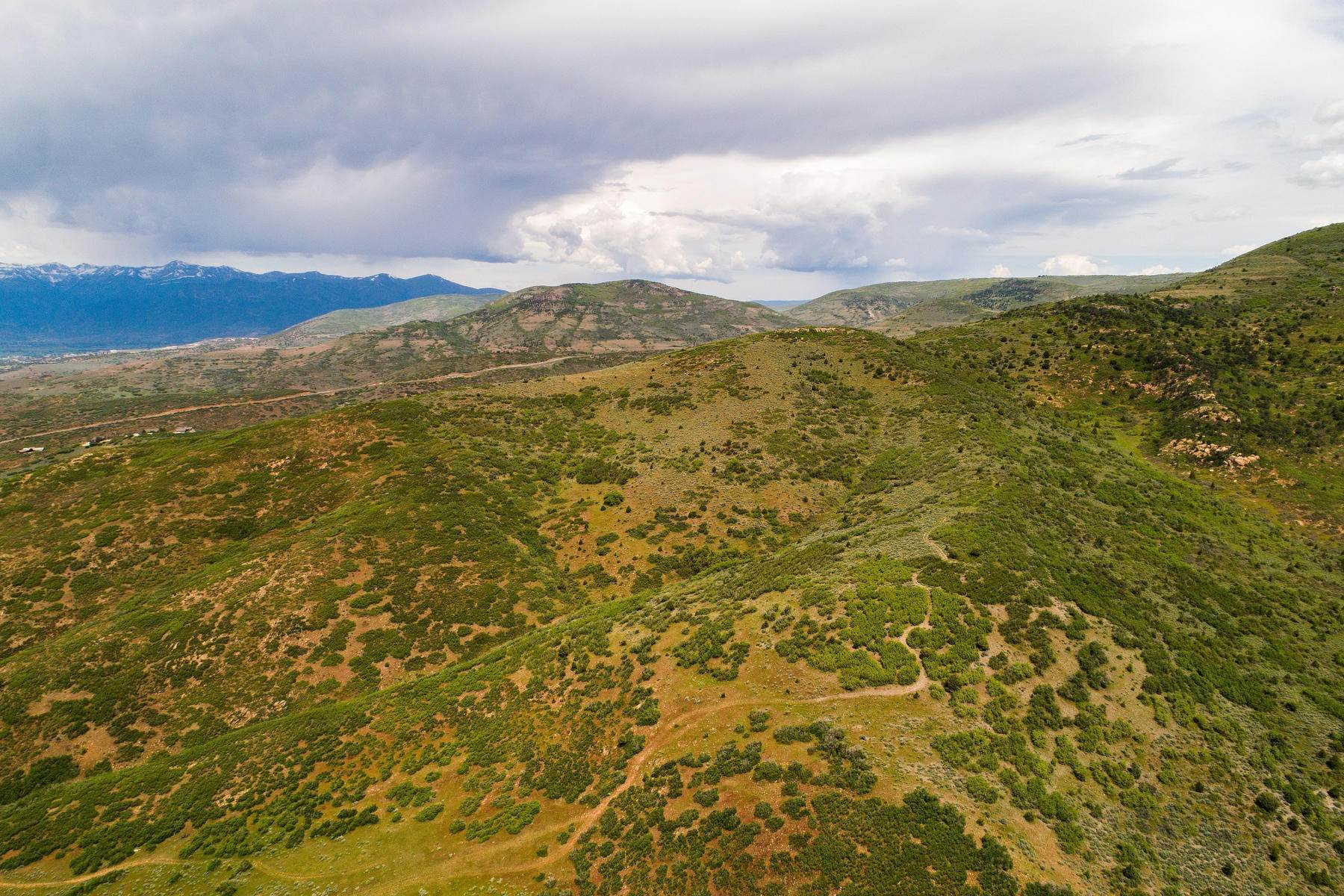 25. Land for Sale at Stunning Views of Mount Timpanogos from Over 406 Acres in Heber Valley Lake Creek Road Heber, Utah 84032 United States