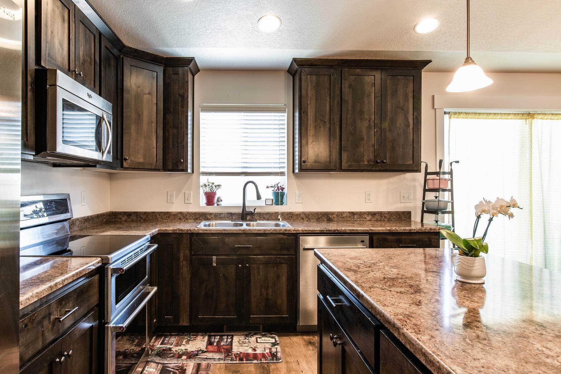 10. Single Family Homes for Sale at Beautiful Home in Quiet Neighborhood. 676 South 930 East Heber City, Utah 84032 United States