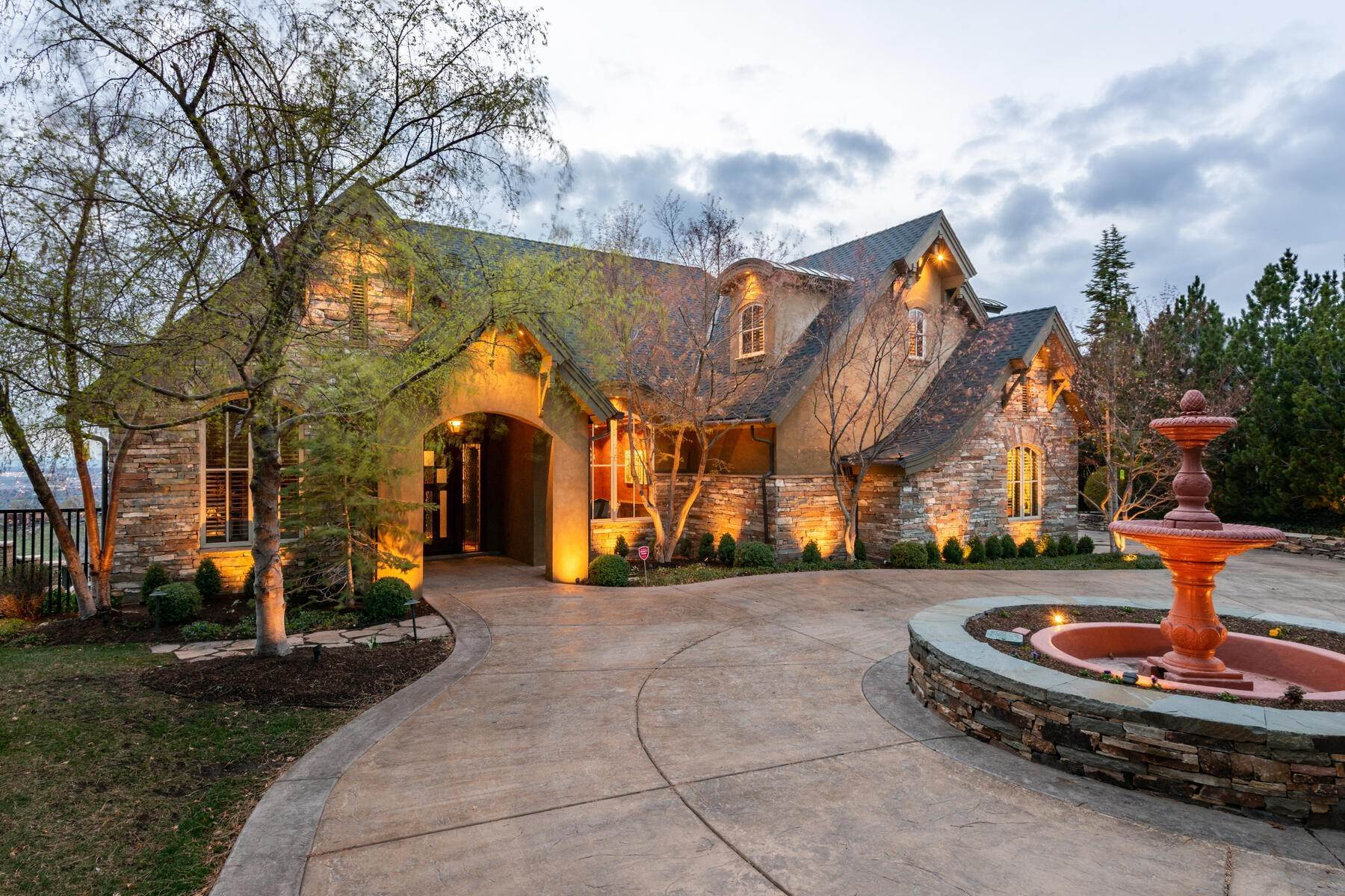 Single Family Homes for Sale at Stunning Hilltop Estate in Capitol Park 343 Red Brick Ct Salt Lake City, Utah 84103 United States
