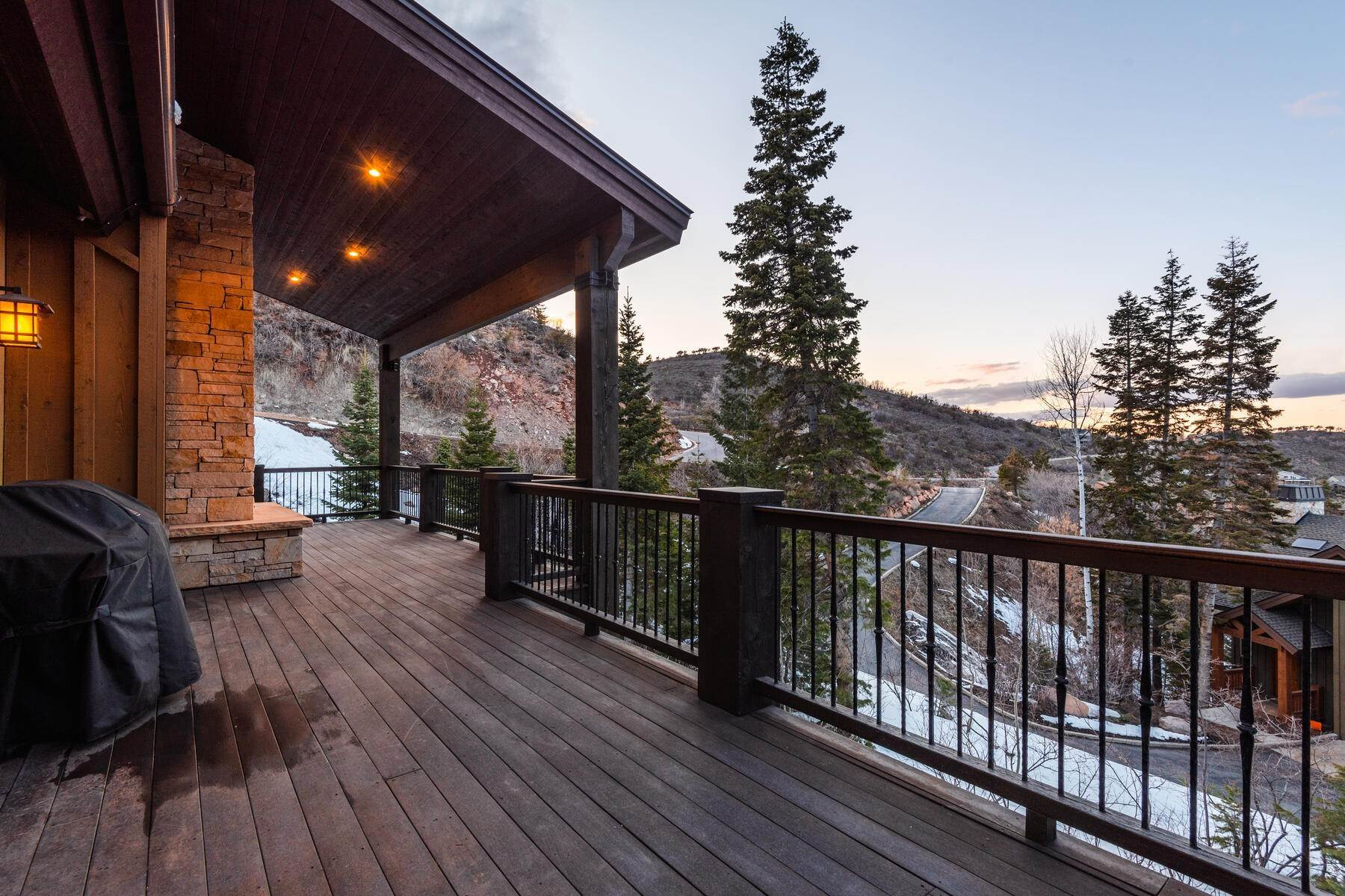 45. Single Family Homes for Sale at Custom Built Gated Mountain Estate in Pinebrook 7494 Buckboard Dr Park City, Utah 84098 United States