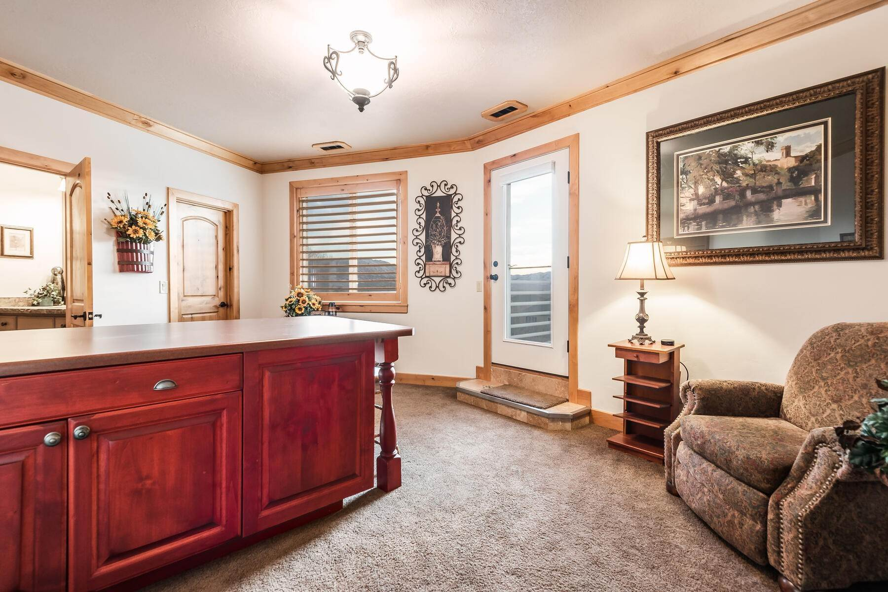33. Single Family Homes for Sale at Beautiful 2-Story High up on Draper's East Bench 12464 S 1840 E Draper, Utah 84020 United States