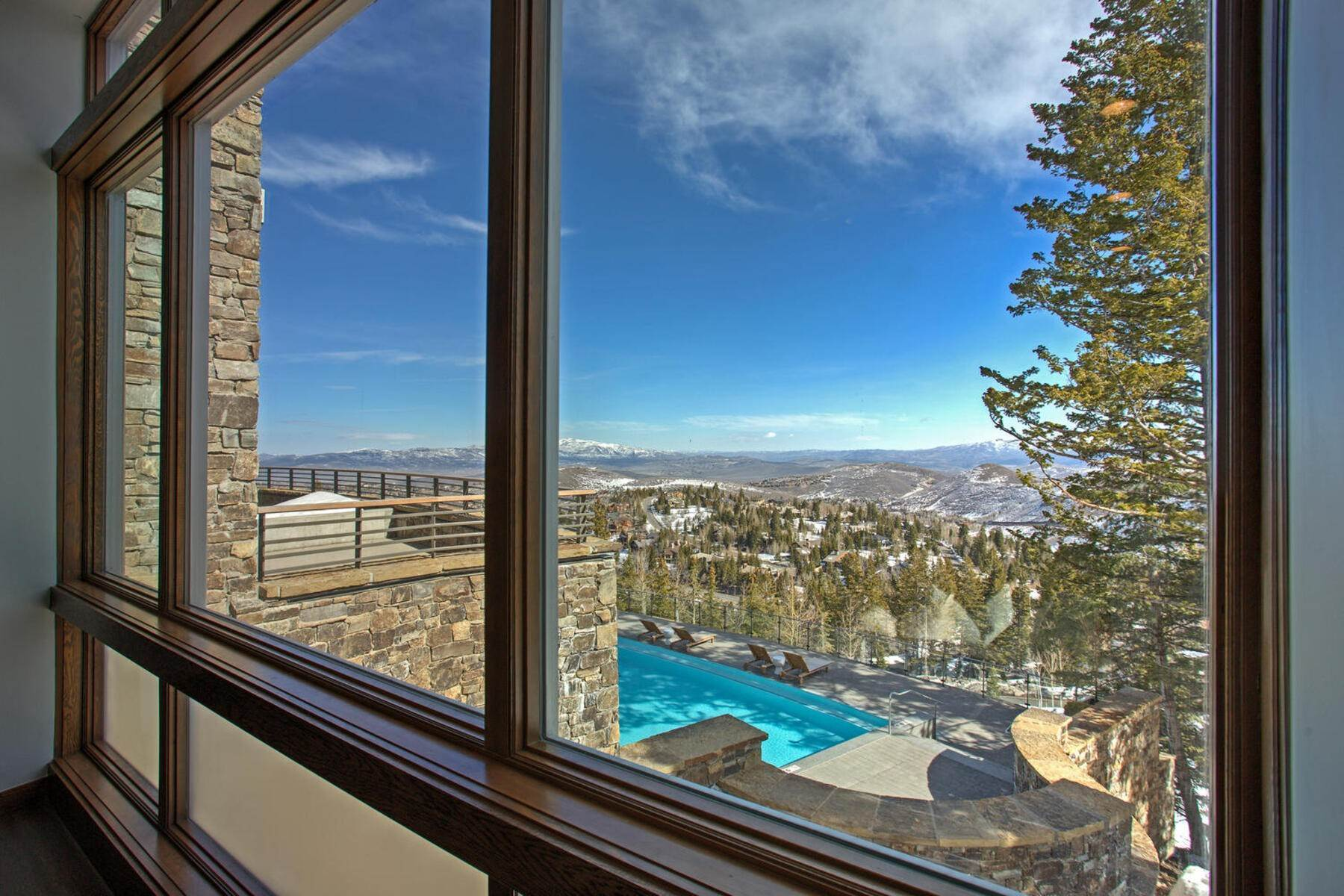 48. Condominiums for Sale at Ski-In Ski-Out Alpine Luxury Living at Stein Eriksen Residences 6702 Stein Circle #131 Park City, Utah 84060 United States