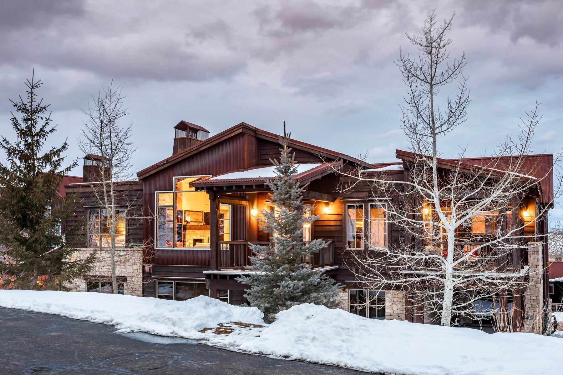 48. Condominiums for Sale at Silver Star's Rarest 3 Bedroom Stacked Flat 1825 Three Kings Dr #4303 Park City, Utah 84060 United States