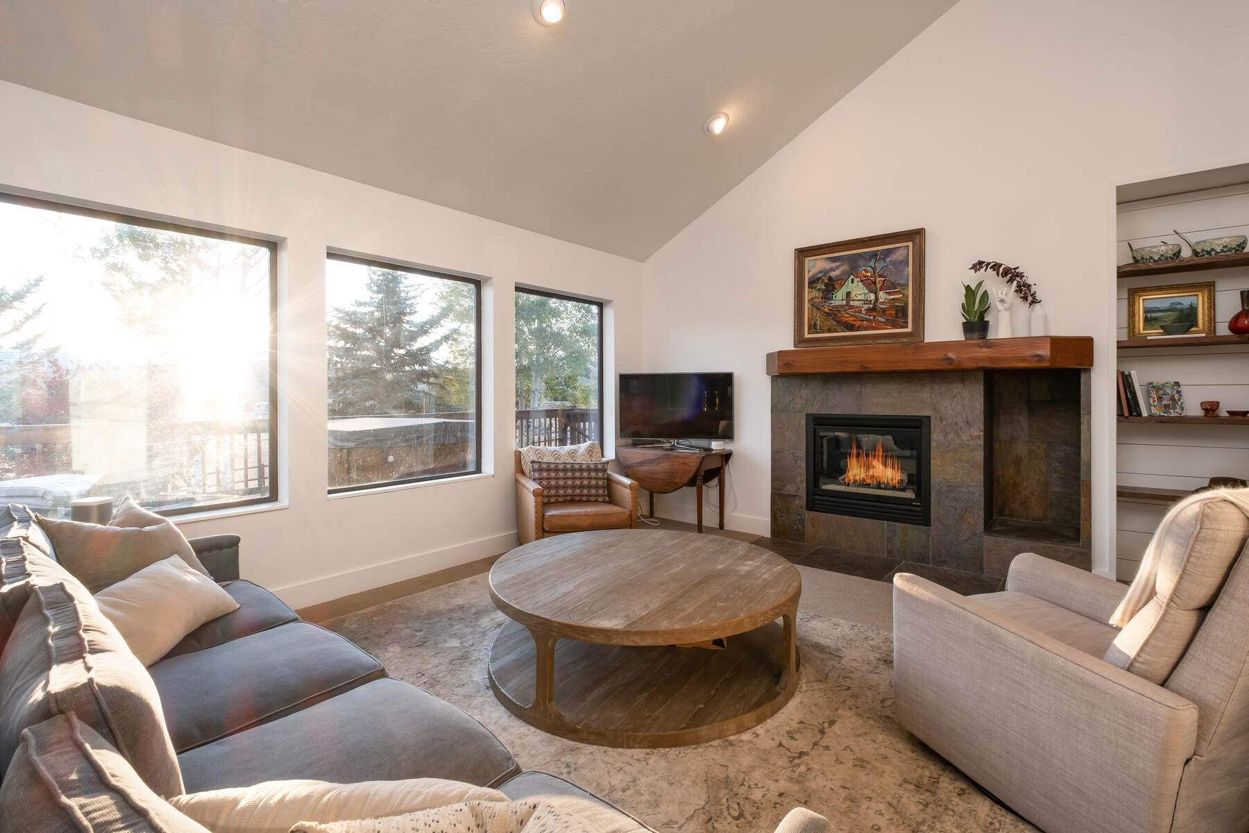 4. Single Family Homes for Sale at Space, Privacy and Views in Silver Creek 959 E Echo Lane Park City, Utah 84098 United States