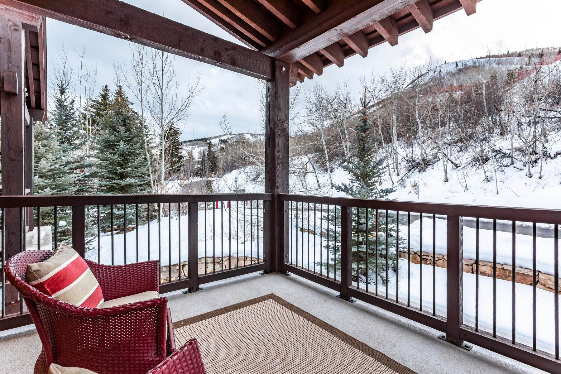45. Condominiums for Sale at Silver Star's Rarest 3 Bedroom Stacked Flat 1825 Three Kings Dr #4303 Park City, Utah 84060 United States