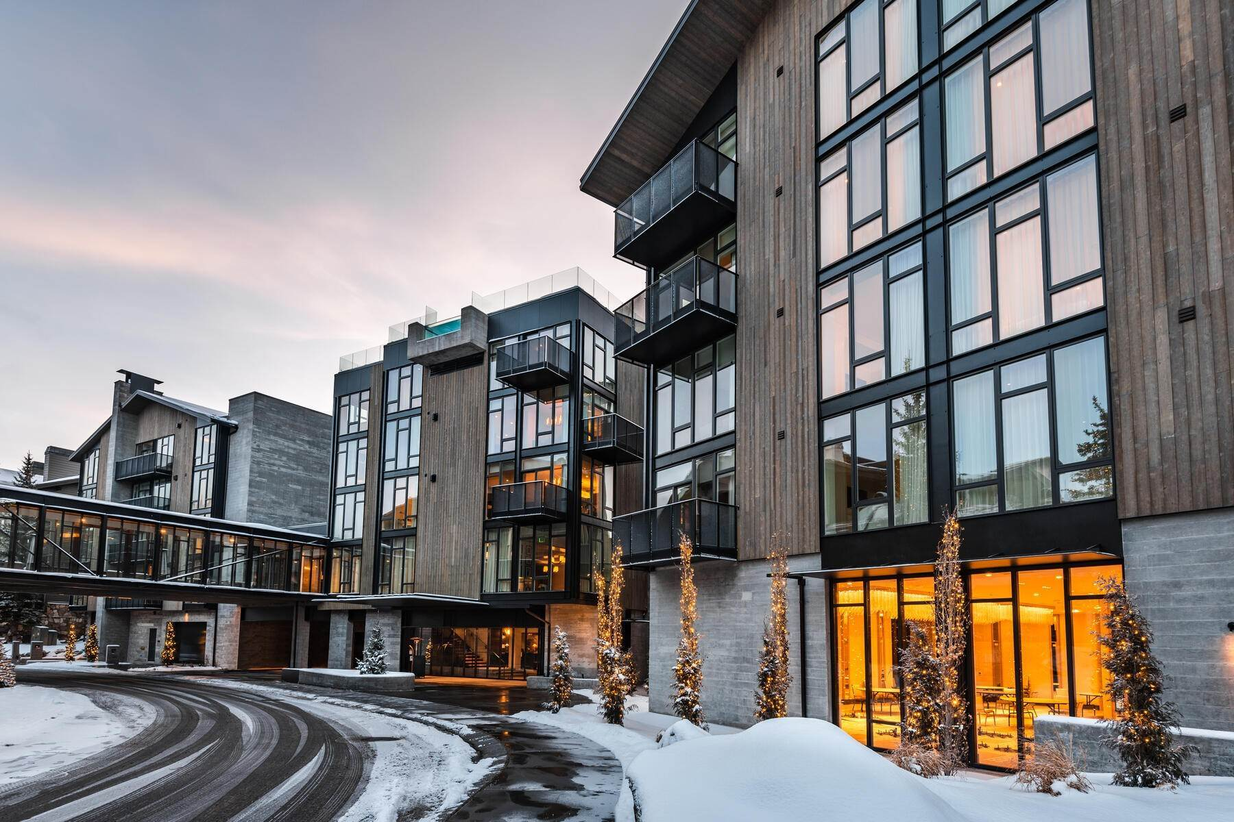 49. Condominiums for Sale at Boutique Luxury Hotel Residences in Prime Deer Valley Silver Lake Village 7520 Royal Street #321 Park City, Utah 84060 United States