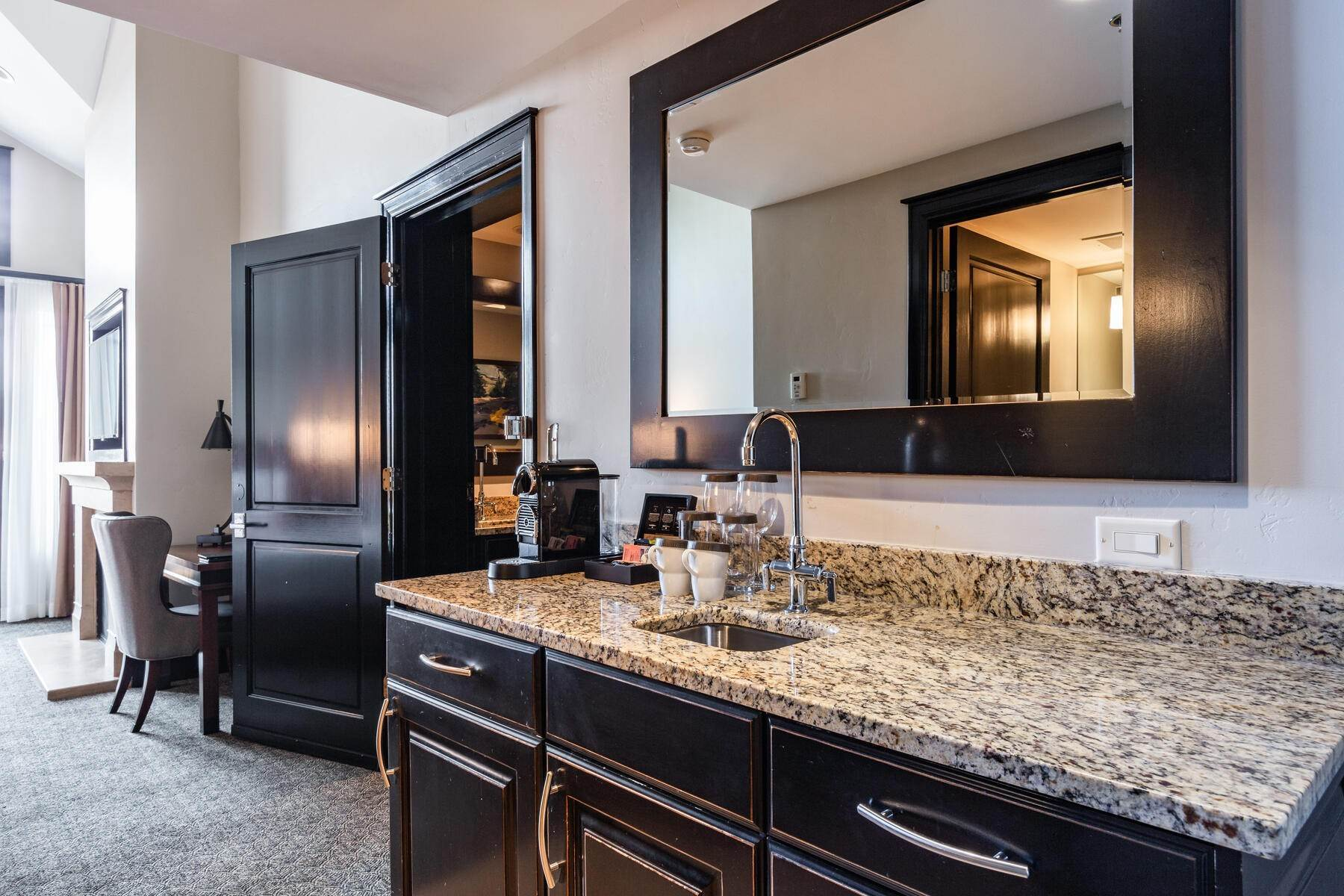 19. Condominiums for Sale at Only 4-Bedroom Available at Waldorf Astoria, Top Floor, Penthouse Unit 2100 W Frostwood Blvd, #7117 Park City, Utah 84098 United States