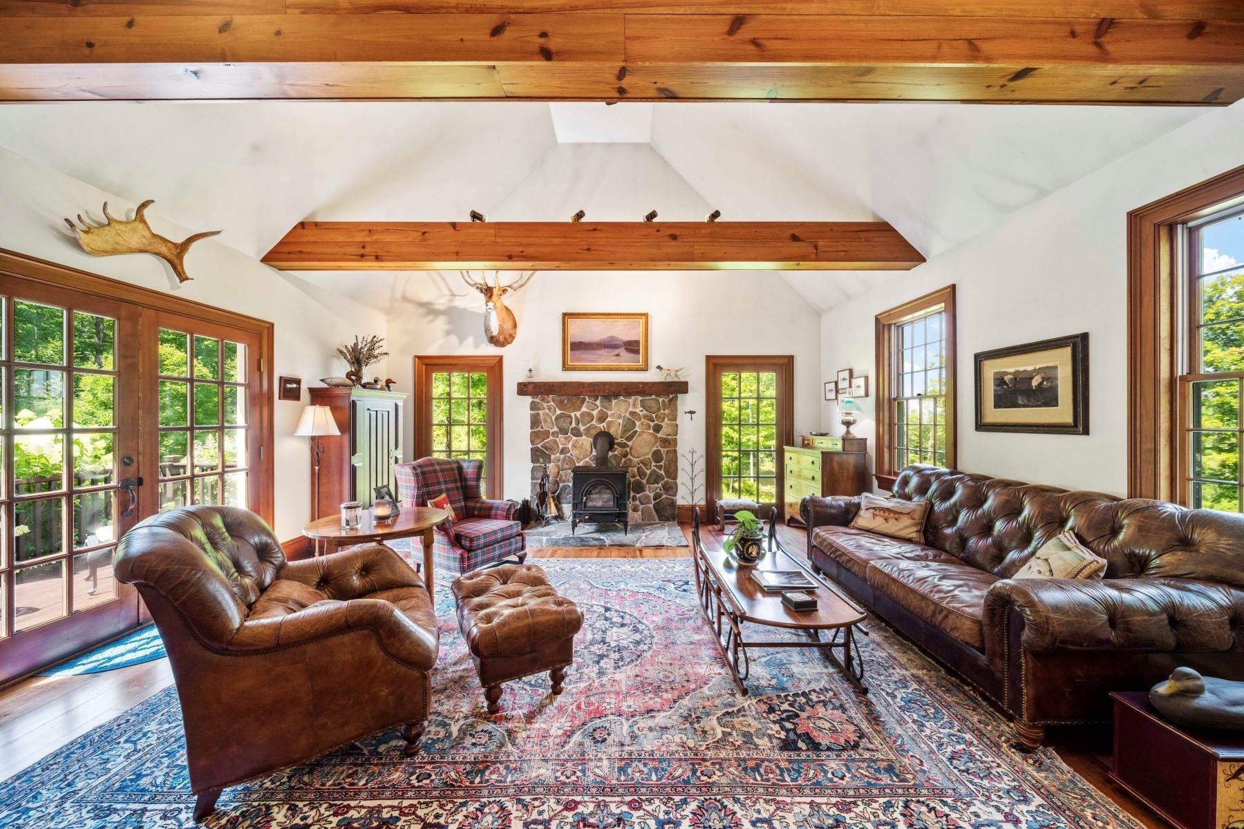 20. Single Family Homes for Sale at Spectacular Country Estate 28 Loomis Road Lebanon, New Hampshire 03766 United States