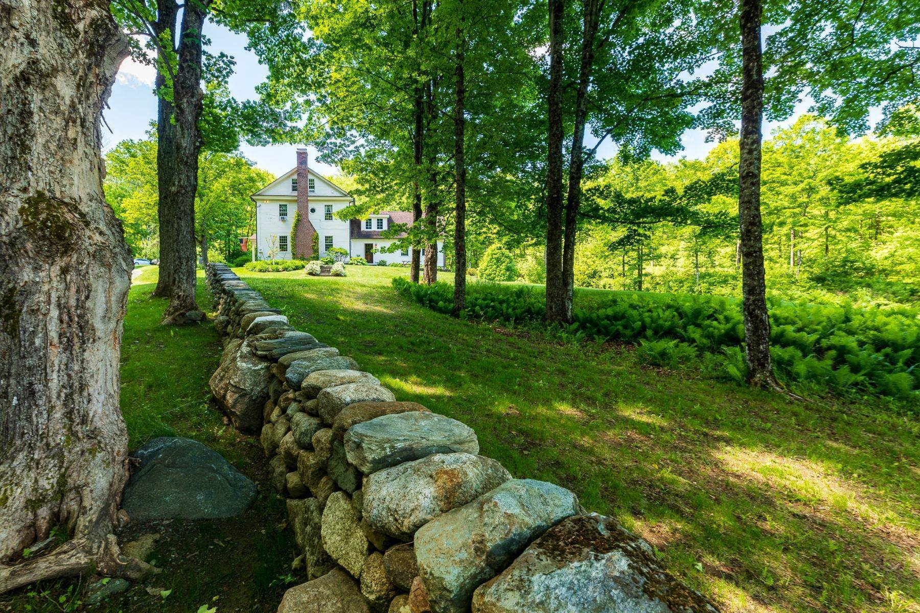 37. Single Family Homes for Sale at Spectacular Country Estate 28 Loomis Road Lebanon, New Hampshire 03766 United States