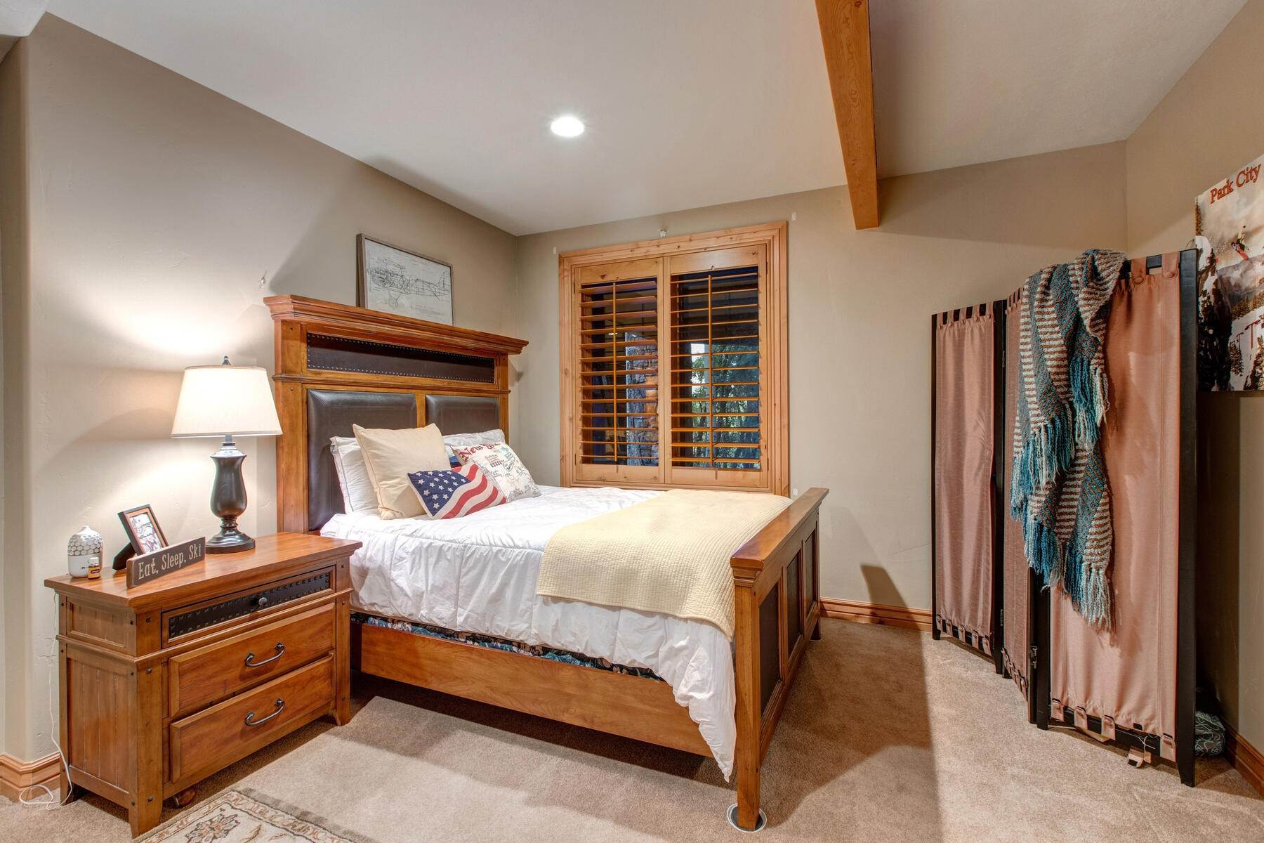 29. Single Family Homes for Sale at Your Private Oasis in the Heart of Park City 2692 Ruminant Road Park City, Utah 84060 United States