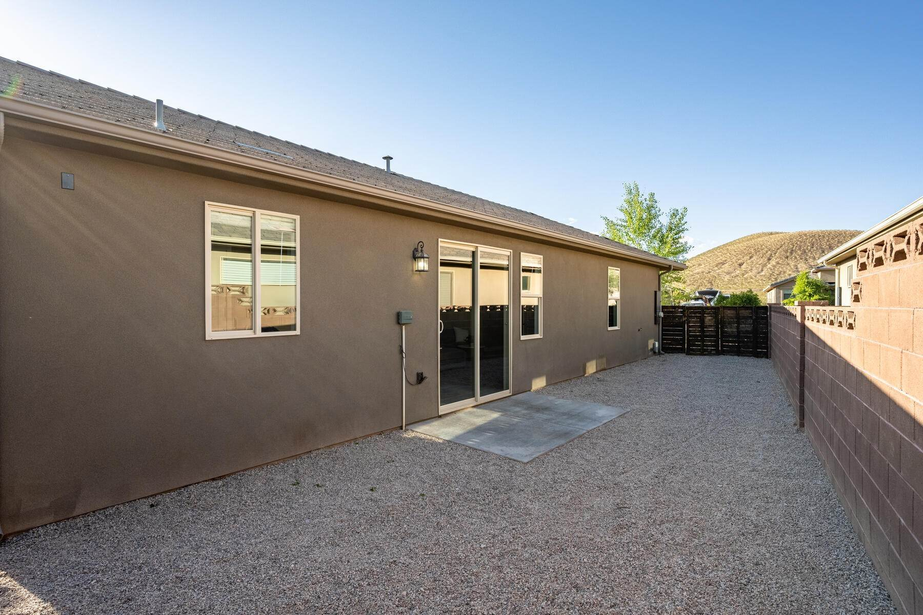 21. Single Family Homes for Sale at Just Right In So Many Ways 785 West 400 North Hurricane, Utah 84737 United States