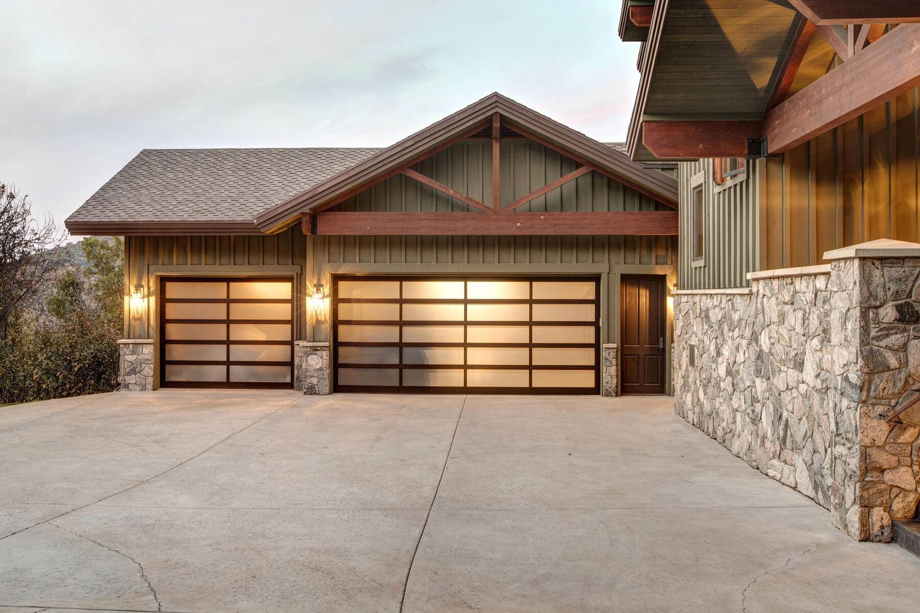 43. Single Family Homes for Sale at Your Private Oasis in the Heart of Park City 2692 Ruminant Road Park City, Utah 84060 United States