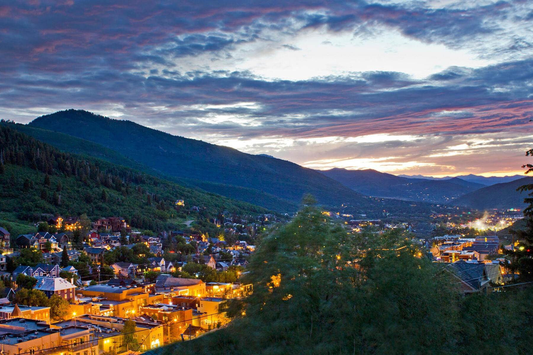 40. Single Family Homes for Sale at A Prime Redevelopment Opportunity in Old Town Park City 91 King Road Park City, Utah 84060 United States