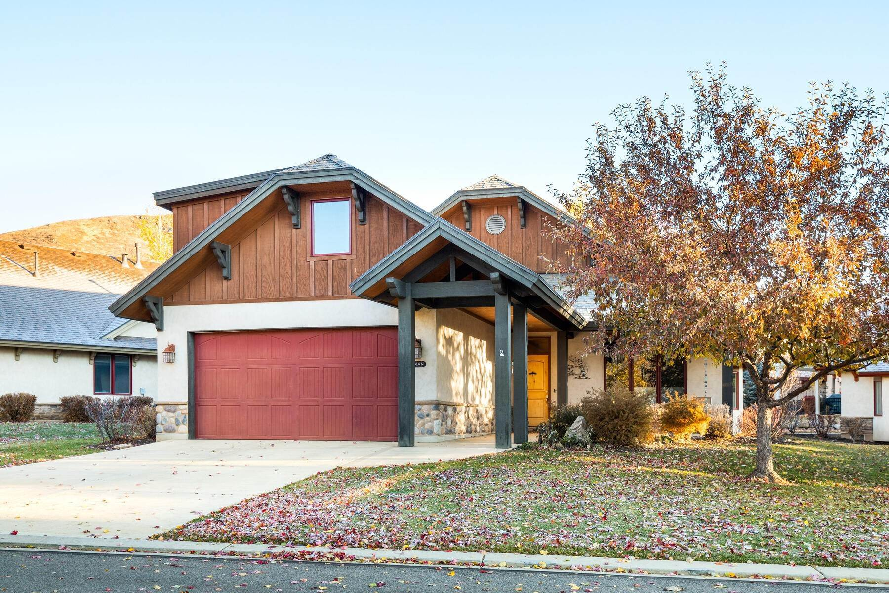 Property for Sale at Bright and Well Kept Home Nestled in one of Midway's Premier Communities 1314 N Montreux Dr Midway, Utah 84049 United States