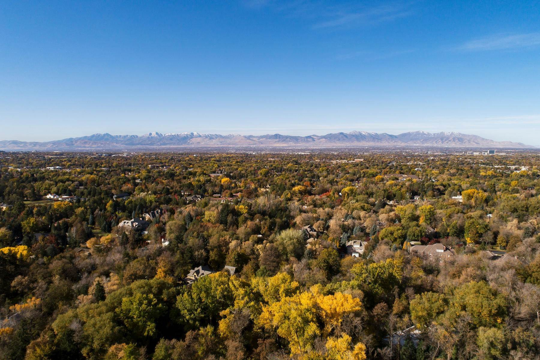 10. Single Family Homes for Sale at Open Space and Seclusion 2312 E Walker Ln Salt Lake City, Utah 84117 United States