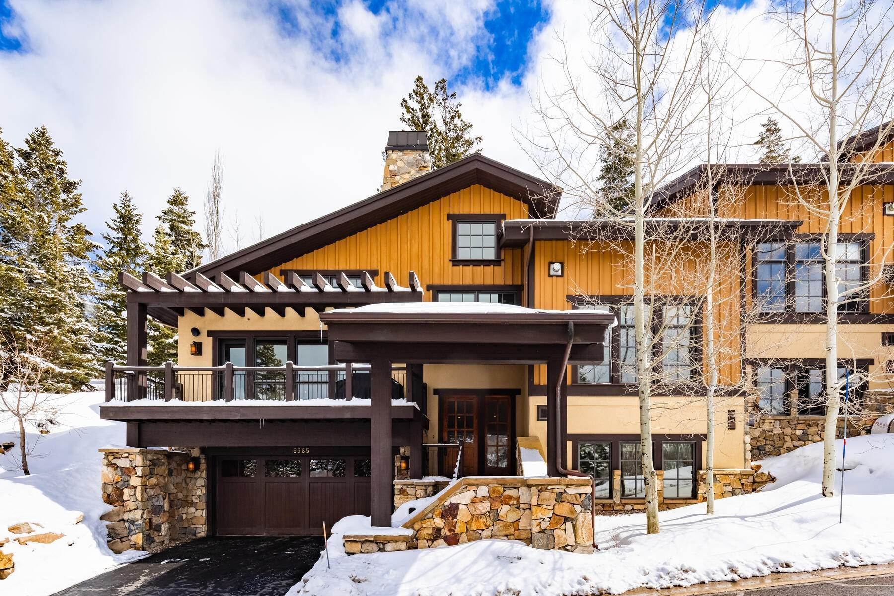 2. townhouses for Sale at Ideally Located and Luxuriously Appointed Lookout at Deer Valley 6565 Lookout Dr #22 Park City, Utah 84060 United States