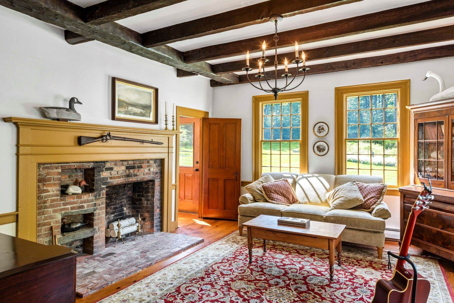 15. Single Family Homes for Sale at Spectacular Country Estate 28 Loomis Road Lebanon, New Hampshire 03766 United States