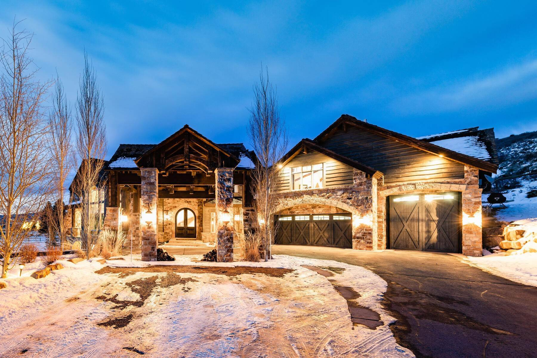 39. Single Family Homes for Sale at Rare Ranch Creek Estates Home Boasts over 3 Acres with Unparalleled Views 4400 N Ranch Creek Ln Park City, Utah 84098 United States