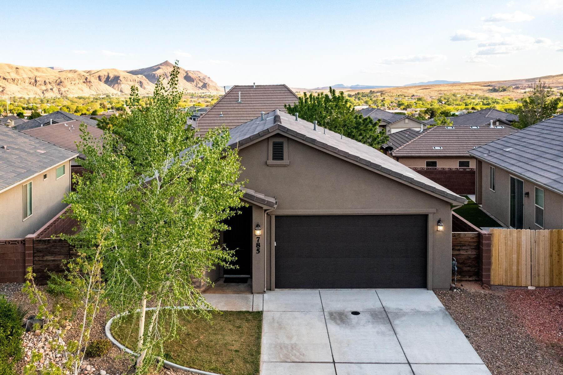 23. Single Family Homes for Sale at Just Right In So Many Ways 785 West 400 North Hurricane, Utah 84737 United States