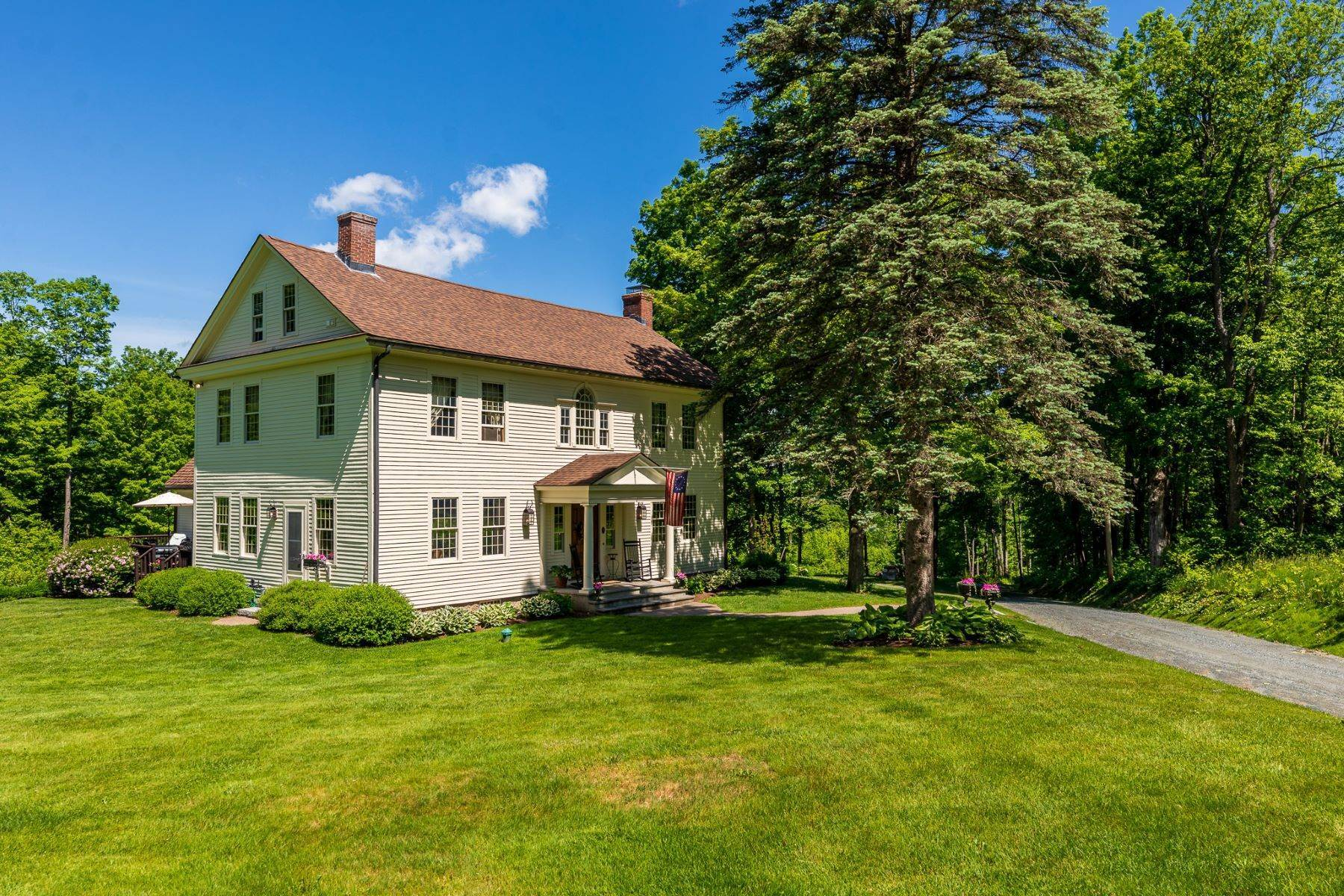 3. Single Family Homes for Sale at Spectacular Country Estate 28 Loomis Road Lebanon, New Hampshire 03766 United States
