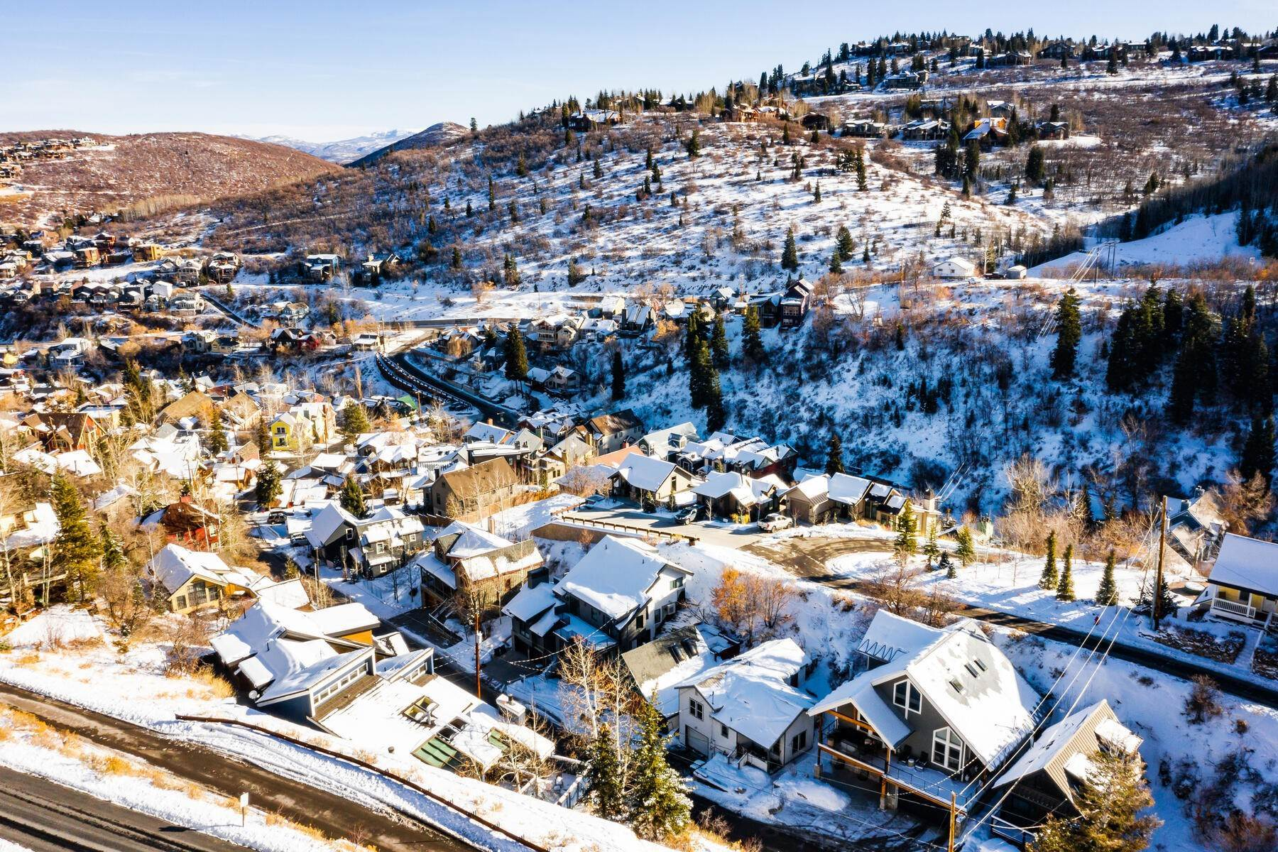 23. Single Family Homes for Sale at A Prime Redevelopment Opportunity in Old Town Park City 91 King Road Park City, Utah 84060 United States