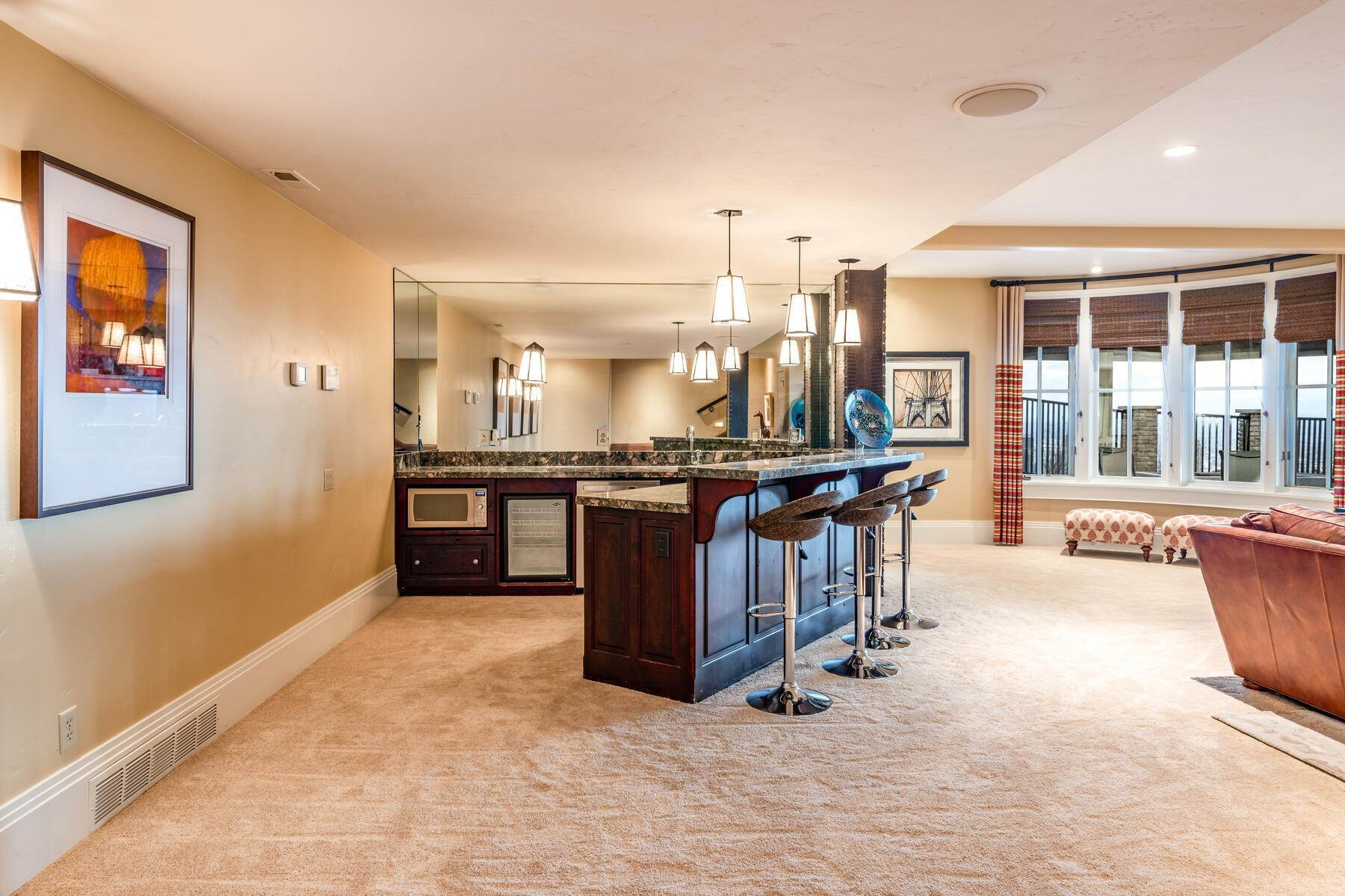 40. Single Family Homes for Sale at Stunning Hilltop Estate in Capitol Park 343 Red Brick Ct Salt Lake City, Utah 84103 United States