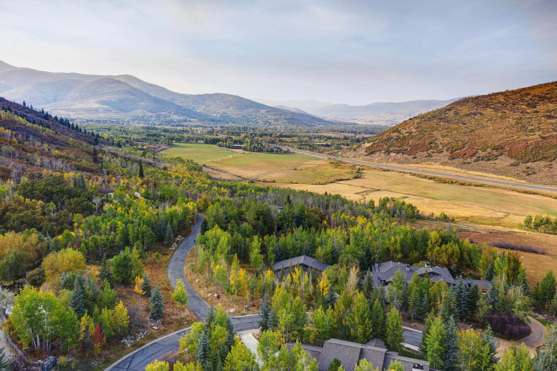50. Single Family Homes for Sale at Your Private Oasis in the Heart of Park City 2692 Ruminant Road Park City, Utah 84060 United States