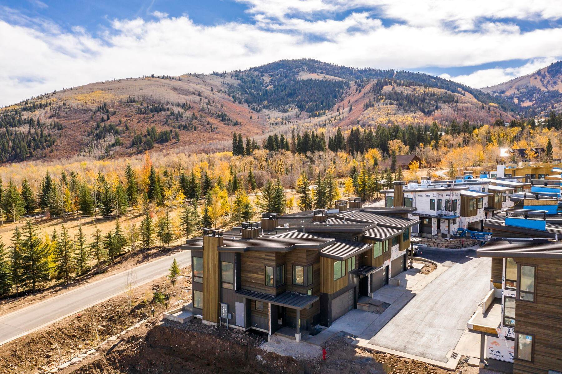 24. townhouses for Sale at Ski-In Townhomes in Canyons Village 3532 Ridgeline Drive Park City, Utah 84098 United States