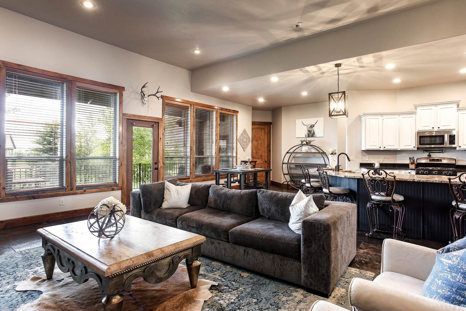 7. Single Family Homes for Sale at Expansive Home On One Acre in Oakley 5425 N Estates Ln Oakley, Utah 84055 United States
