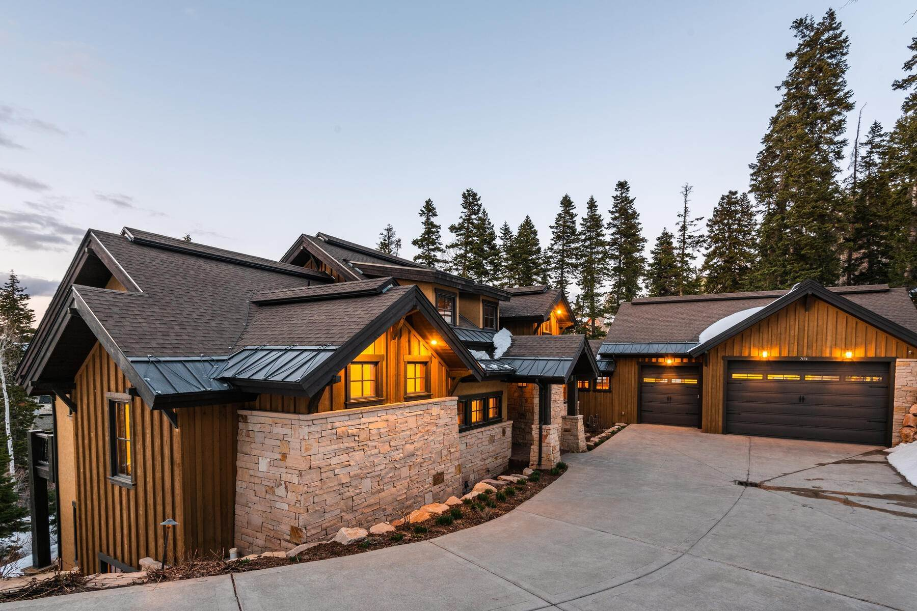 43. Single Family Homes for Sale at Custom Built Gated Mountain Estate in Pinebrook 7494 Buckboard Dr Park City, Utah 84098 United States