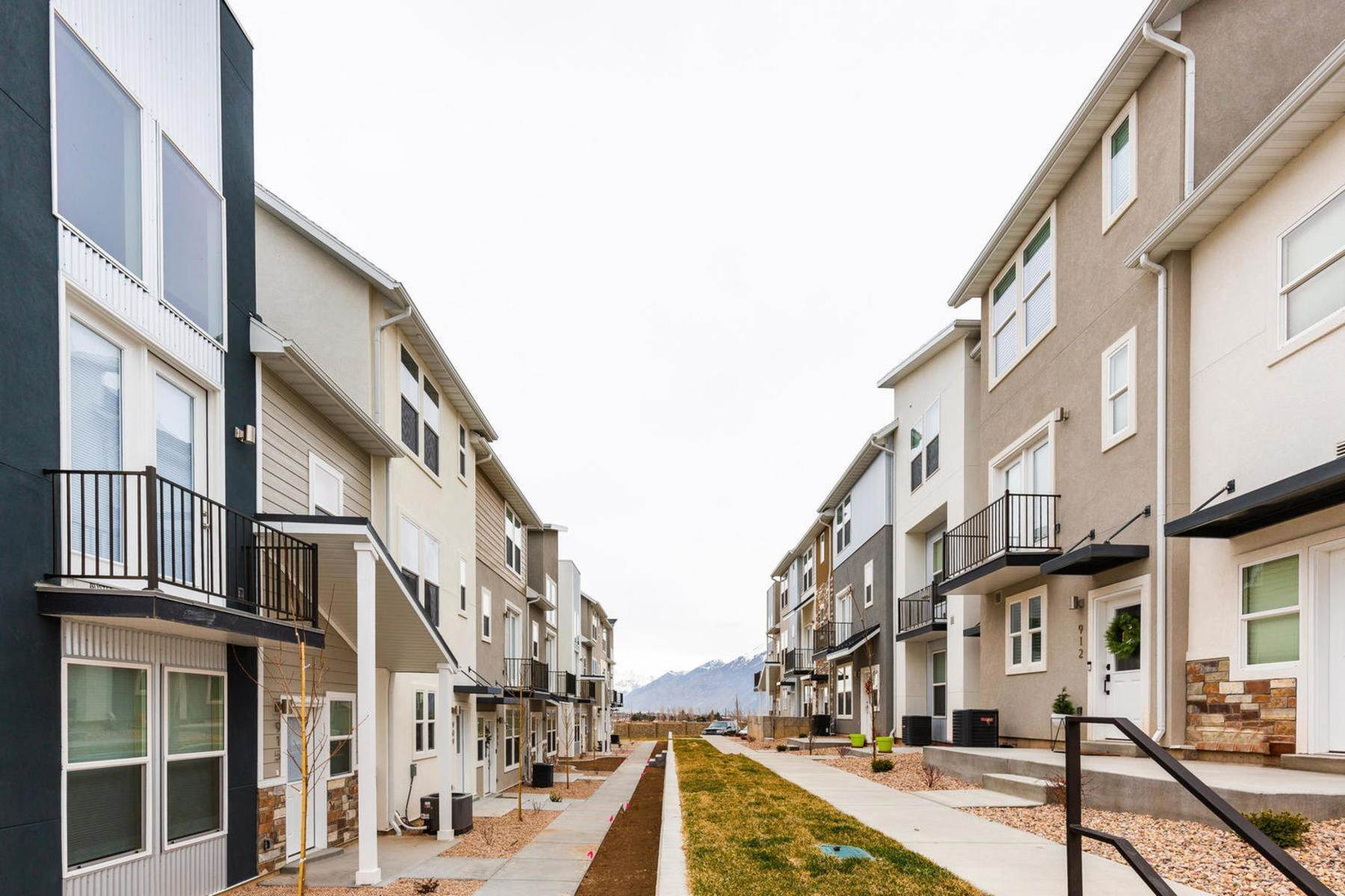 27. townhouses for Sale at The Tribeca Unit 35 At The Ridge At Spanish Fork 894 South 2560 East, #35 Spanish Fork, Utah 84660 United States