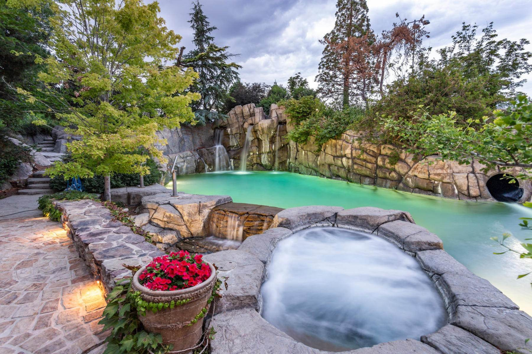 41. Single Family Homes for Sale at Stunning Private Residence and Recreational Facility on Nearly Twenty Acres 1709 S Geneva Rd Orem, Utah 84058 United States