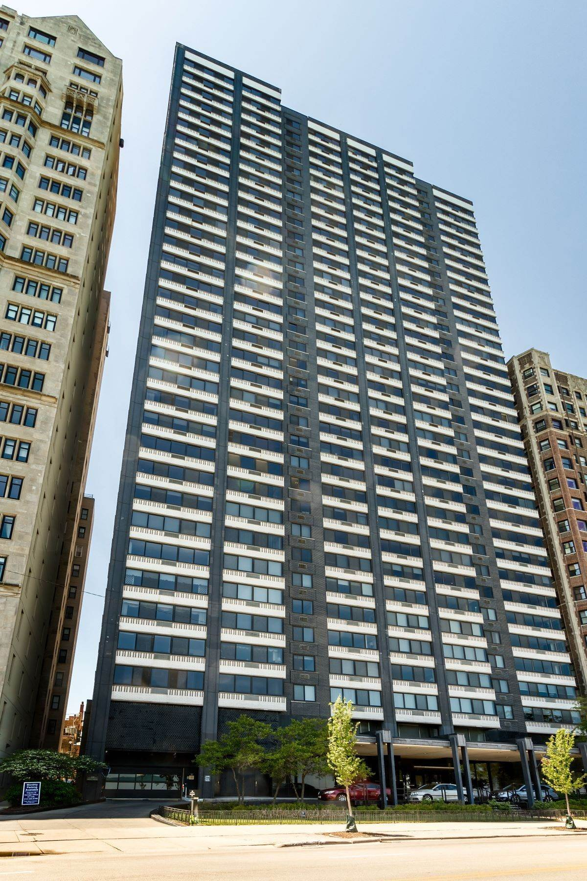 Condominiums for Sale at The Gold Coast Penthouse 1440 N Lake Shore Drive, Unit 35A Chicago, Illinois 60610 United States